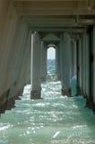 Unter Promenade oder Pier Stockbild