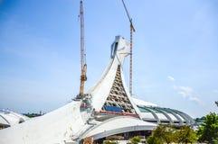 Unter Reparatur der Turm Montreals das Olympiastadion Stockfotografie