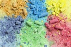 Unterbrochene farbige Bleistifte Lizenzfreie Stockbilder