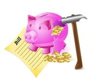 Unterbrochener Geldkasten ist eine Schweinhammerrechnung und -münzen Stockfoto