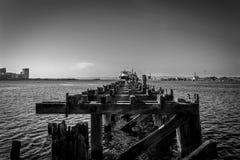 Unterbrochener Pier Stockfotos