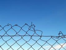 Unterbrochener Zaun Stockfotos