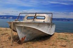 Unterbrochenes Boot Stockfoto