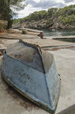 Unterbrochenes Boot Stockbild