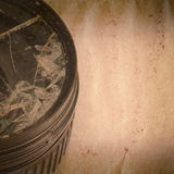 Unterbrochenes DSLR Kameraobjektiv altes grunge Stockbilder