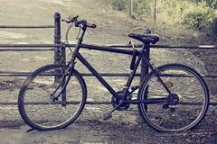 Unterbrochenes Fahrrad Lizenzfreie Stockfotos