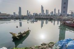 Unterbrochenes Fischerboot Stockfoto