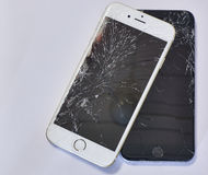 Unterbrochenes intelligentes Telefon stockfotos