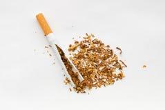 Unterbrochenes sigarette Lizenzfreie Stockfotografie
