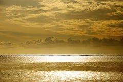 Untergehende Sonne lizenzfreie stockbilder