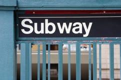 Untergrundbahn-Zeichen Stockbild