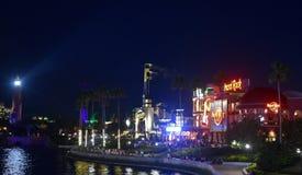 Unterhaltung blauer Himmel-Ansicht CityWalk Orlando, speisend und Einkaufs- Promenade gelegen nahe bei stockbilder