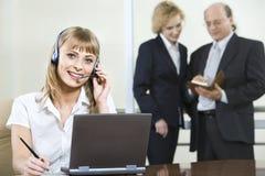 Unterhaltung mit Klienten Lizenzfreies Stockfoto