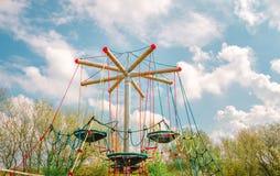 Unterhaltungs-Netze mit Nestern am Spielplatz lizenzfreie stockfotografie