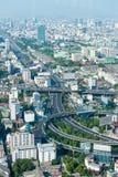 Unterlassungsschuß eines komplexen städtischen Landstraßen-Austausches Lizenzfreies Stockfoto