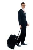 Unternehmensperson, die für Geschäftstreffen verlässt stockbilder