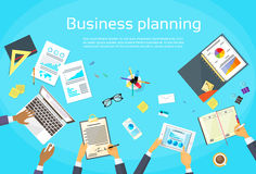 Unternehmensplanungs-Konzept-Geschäftsmann Hands Desk Lizenzfreie Stockfotos