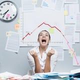 Unternehmenszusammenbruch mit negativem Diagramm Lizenzfreies Stockbild