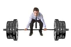 Unternehmenszusammensetzung der jungen attraktiven Geschäftsmannenergie, die schwere Dummkopfgewichte anhebt lizenzfreies stockbild