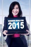 Unternehmervertretungs-Unternehmensziele mit Laptop Lizenzfreie Stockbilder