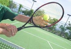Unterrichtendes Tennis Lizenzfreie Stockfotografie