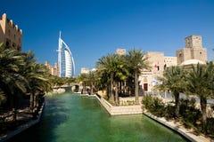 Unterschiedliche Architektur von Dubai lizenzfreies stockbild