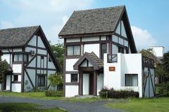 Unterschiedliche Landhäuser für Freizeit Stockfotos