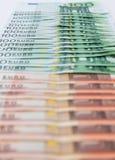 Unterschiedlicher Eurobanknotenhintergrund Lizenzfreie Stockfotos