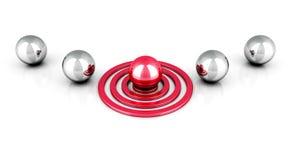 Unterschiedlicher roter Ball auf Ziel heraus von den metallischen Bällen Lizenzfreie Stockfotografie