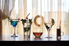 Unterschiedliches alkoholisches Getränk in den Gläsern Lizenzfreies Stockfoto