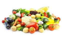 Unterschiedliches Gemüse/große Zusammenstellung des Lebensmittels - lokalisiert lizenzfreie stockfotos