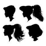 Unterschiedliches Schattenbild des jungen Mädchens vier Auch im corel abgehobenen Betrag Stockfotos
