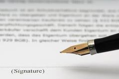 Unterschrift und Füllfederhalter Stockfoto