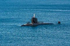 Unterseeboot mit Mannschaft Stockbild