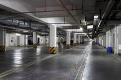 Untertägiger allgemeiner Parkplatz Shanghais Stockbilder