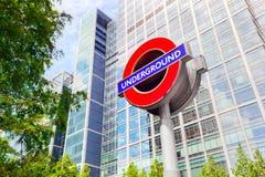 Untertage unterzeichnen Sie herein Canary Wharf-Finanzbezirk in London, Großbritannien Lizenzfreie Stockbilder