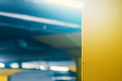 Untertagegaragen-Parkplatz, verwischen Zusammenfassung defocussed backgro Stockfotos