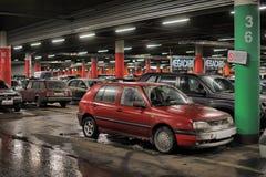 Untertageparken im Einkaufszentrum Lizenzfreies Stockfoto