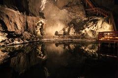Untertagesee in den Wieliczka-Salzbergwerken Stockbilder