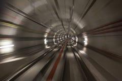 Untertagetunnelgeschwindigkeits-Unschärfehintergrund Stockfotos