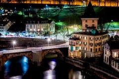 Untertorbruecke bro på natten, Bern, Schweiz fotografering för bildbyråer
