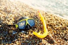 Unterwasseratemgerät-Maske, Strand, schwimmende Schutzbrillen stockbilder