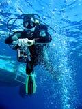 Unterwasseratemgerät-Taucher Stockfotografie