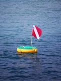 Unterwasseratemgerätmarkierungsfahne stockfoto