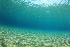 Unterwasserhintergrund stockfoto
