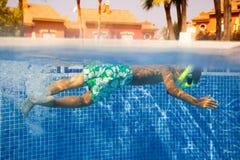Unterwasserjunge Lizenzfreie Stockfotografie