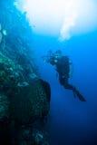 Unterwasserphotographiephotograph-Tauchersporttauchen bunaken Indonesien-Riffozean Stockfotografie