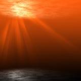 Unterwassersonnenuntergangszene. Lizenzfreies Stockfoto