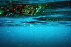 Unterwasserwellenoberfläche Lizenzfreie Stockbilder