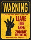 Unterzeichnen Sie Brett mit Zombiegesicht, handgeschriebene Güsse, Wörter Zombie-Ausbruch-Urlaub Stockfoto